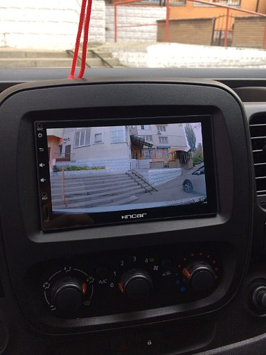 Renault Trafic: вид с камеры переднего вида Prime-X на магнитоле Incar AHR-9280
