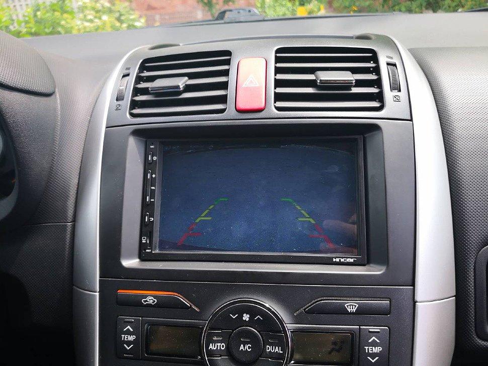 Парковочная разметка на магнитоле Incar AHR-1853 в Toyota Auris с помощью камеры заднего вида Falcon SC61-HCCD